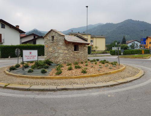 Terminati i lavori di abbellimento della rotonda di Roccaforte: la Fidas Monregalese invita alla donazione di sangue.